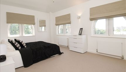 Portobello Apartments - typical bedroom