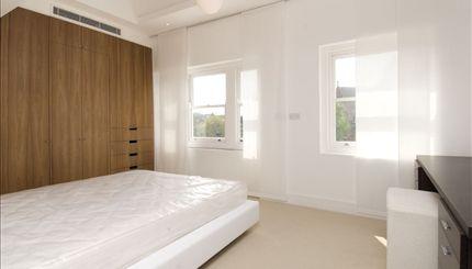 Rosslyn Hill - bedroom