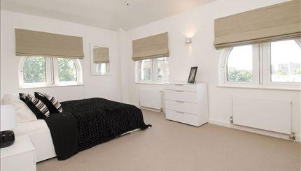 Portobello Apartments - typical bedroom