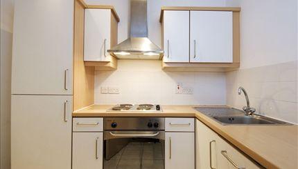 Sutherland Avenue - typical kitchen