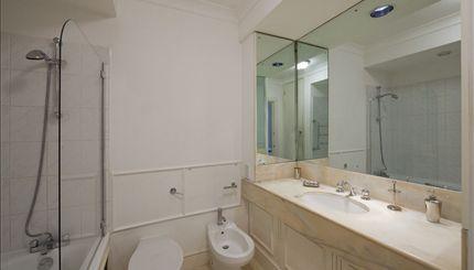 Balvaird & Lindsey typical bathroom
