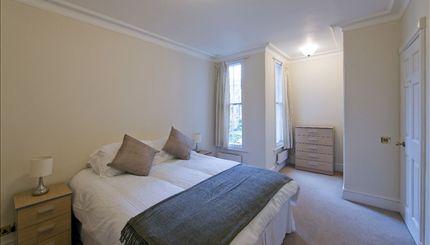 Balvaird & Lindsey typical bedroom