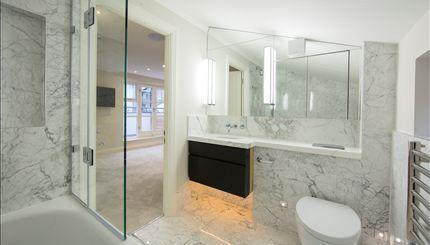 Peony Court- bath